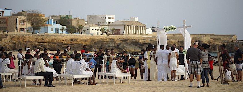 Wedding on Bitxe Rotxa beach, Maio