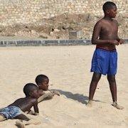 Children on Vila do Maio beach